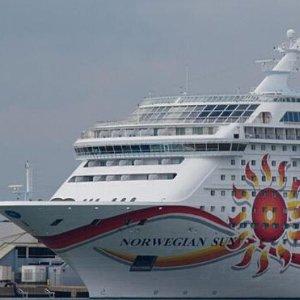 From $79915-night Panama Canal Cruise from Miami to Valparaiso