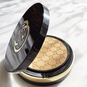 COSME-DE.COM | Gucci Gucci Face  Luxe Finishing Powder