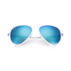 Look who's looking at this new Ray-Ban Aviator Light Ray Ii
