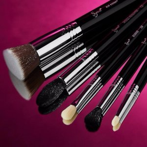 SIGMAX® ESSENTIAL KIT 10-Brush Set @ Sigma Beauty