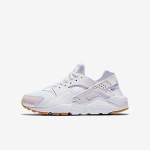 Nike Huarache SE Big Kids' Shoe.