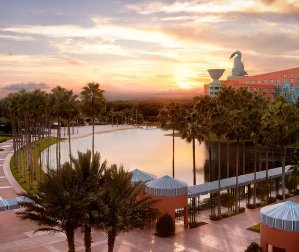 Maximize the value of your Starpoints!Stay in Orlando Disney for free