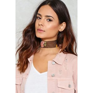 Misty Roses Floral Choker   Shop Clothes at Nasty Gal!