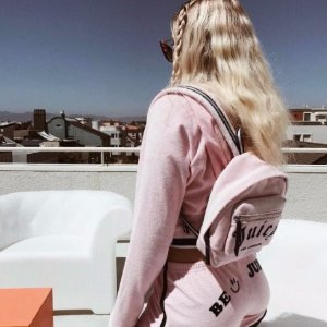 Extra 50% OffSelect Bags @ Juicy Couture