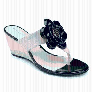 Nicoleen Flower|Rockport®