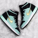 Girls' Grade School Air Jordan Retro 1 High @ FinishLine.com