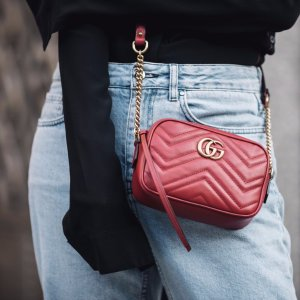 Under $999Designer Handbags @ Gilt