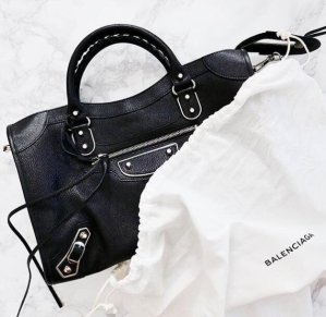 Up to 60% Off + Up to 16% OffSelect Handbags @ Reebonz