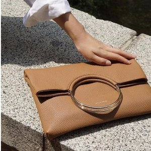 LATELEE STUDIO DOUBLE RING CLUTCH (Caramel Brown)