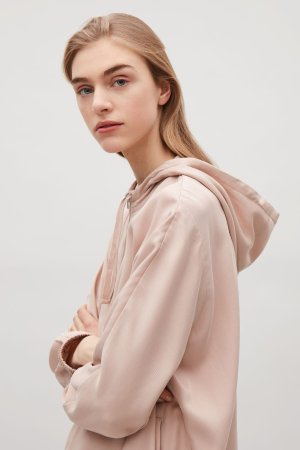 Up to 50% Off+Extra 20% OffSelect Items @ COS