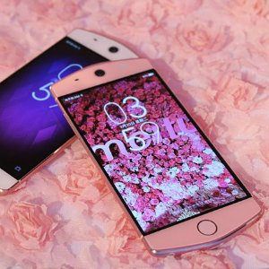 Meitu M6 5-inch 64GB 21MP Front & Rear Camera 4G LTE Unlocked SmartPhone Pink&White