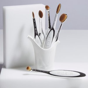 15% OffArtis Brush Purchase @ Lord & Taylor