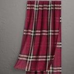Burberry 格纹丝毛混纺围巾