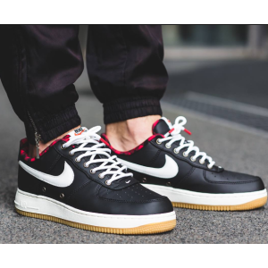 Nike Air Force 1 07 LV8 Men's Shoe.