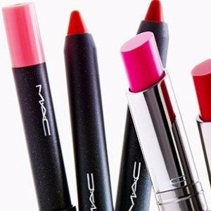 Up to 59% OffMAC Cosmetics @ Hautelook