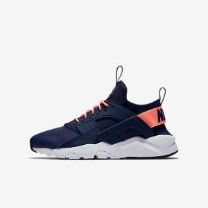 Nike Air Huarache Ultra Big Kids' Shoe .
