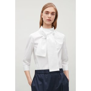 Top with twisted tie detail