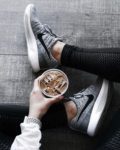 CDN$99.99起Nike LunarEpic Flyknit 男女款慢跑鞋 多色可选