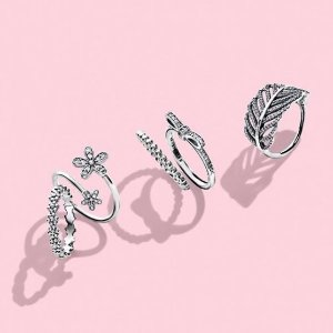 Up to 50% OffPandora Jewelry @ Rue La La