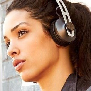 $289.99Sennheiser Momentum 2.0 On-Ear Wireless with Active Noise Cancellation - Ivory