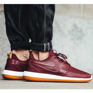 Nike Roshe Two Leather Premium Men's Shoe.