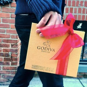 15% OffSelect Gifts + Preview Our NEW Holiday Collection @ Godiva