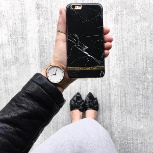 Richmond & Finch                                                          Black Marble iPhone 7 Case