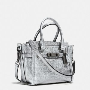 COACH: Swagger 21 In Pebble Leather