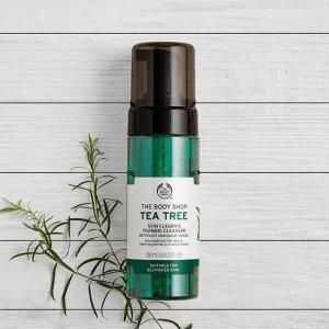 Tea Tree Skin Clearing Foaming Cleanser