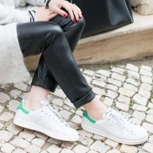 $32 (原价$40)+免邮adidas Stan Smith 大童款绿尾小白鞋8折收