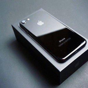 $600 Apple iPhone 7 Jet Black 256GB T-mobile Version