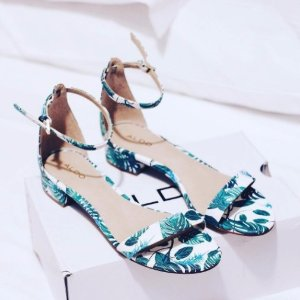 Extra 30% offOutlet sandals @ Aldo