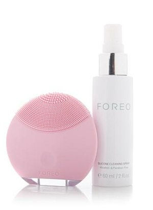 $59FOREO LUNA™ Mini Facial Cleansing T-Sonic™ Brush with Silicone Cleansing Spray