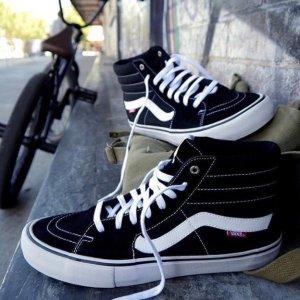 Extra 25% OFFAdidas、Vans、Puma Men's Sneakers Sale