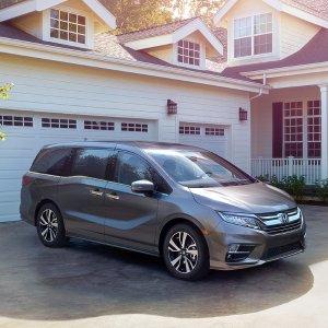 超实用 奶爸必备2018 Honda Odyssey 三排座Minivan