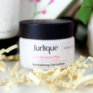 JURLIQUE ROSE MOISTURE PLUS REVITALISING GEL LOTION的圖片搜尋結果