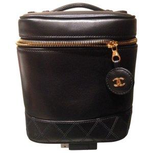 black Plain Leather CHANEL Clutch bag - Vestiaire Collective