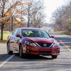 Comfort and High-Efficient2017 Nissan Altima