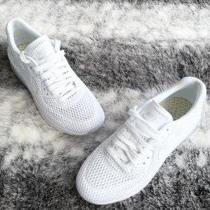 特价区额外7.5折+免邮!折上折!Nike精选男女童美鞋服饰等热卖