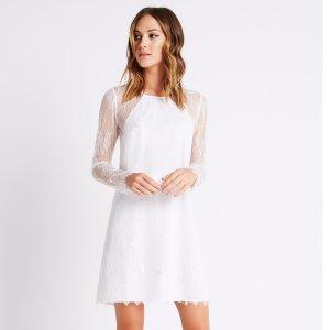蕾丝小白裙