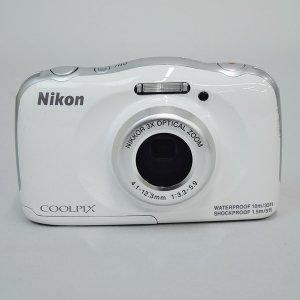 $79.95Nikon Refurbished COOLPIX S33 13.2MP Water Shock Freezeproof Digital Camera