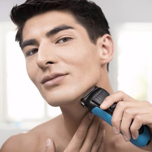 $36.48Braun Series 3 3040S Wet and Dry Waterproof Foil Cordless Shaver for Men