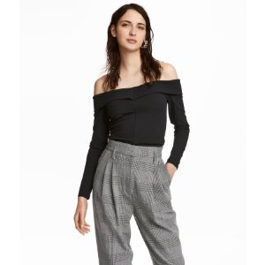 Crêped Off-the-shoulder Top