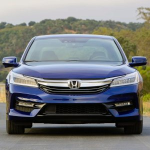 标杆级中型家用轿车2017 Honda Accord 4门家用轿车