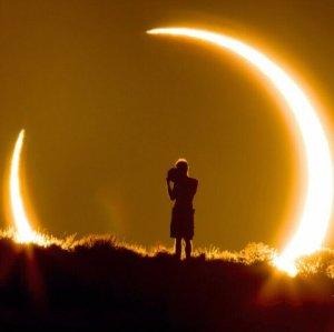 8月21日 为你白昼变黑夜与TA相约一场 99年来最浪漫全日食