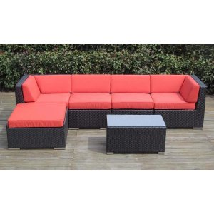Puhi Modern Outdoor Sectional with Coffee Table | Sofamania.com