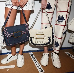 Up To 30% Off + Extra 30% OffSawyer Shoulder Bag Sale @ Tory Burch