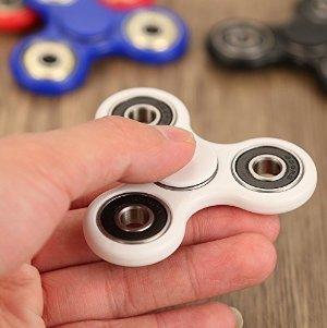 $5.12潮流玩物:Yipa 指尖陀螺白色