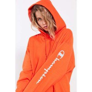 Champion + UO Powerblend Reflective Hoodie Sweatshirt | Urban Outfitters