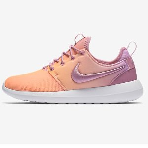 $100 + Free ShippingNIKE ROSHE TWO BR